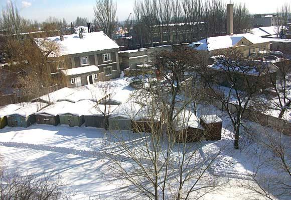 мороз и солнце - вид на мой мото-гараж